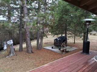 Great 3 Bedroom/2 Bathroom Home Near Sunriver w/BBQ, Fire Pit, Modern Kitchen - La Pine vacation rentals