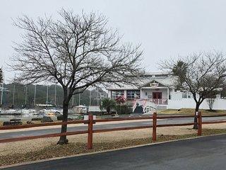 Lake Travis Hideaway steps from Stewart Marina - Buffalo Gap vacation rentals