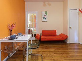 Heart of the Theatre District Holiday Flat: 1 Bedroom - New York City vacation rentals