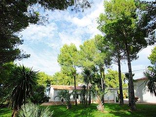4 bedroom Villa in Llanca, Costa Brava, Spain : ref 2007921 - Llanca vacation rentals