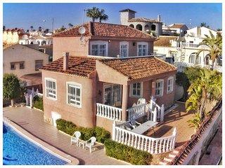 4 Bed XL Villa / A/C / Wi-Fi / Pool / Villamartin - Villamartin vacation rentals
