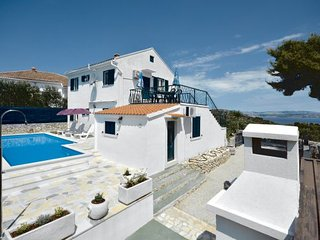 4 bedroom Villa in Solta, Central Dalmatia, Croatia : ref 2044549 - Rogac vacation rentals