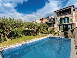 3 bedroom Villa in Ploce, South Dalmatia, Neretva Delta, Croatia : ref 2047097 - Komarna vacation rentals