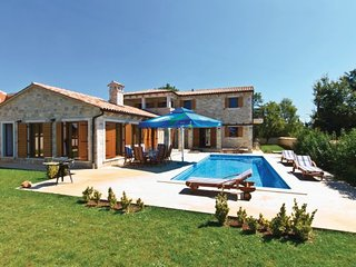 3 bedroom Villa in Vodnjan, Istria, Croatia : ref 2095437 - Divsici vacation rentals