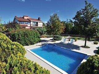5 bedroom Villa in Makarska, Central Dalmatia, Croatia : ref 2095494 - Slime vacation rentals
