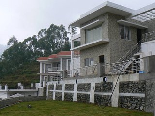 """Villa Le'Visa """"Sun Green and chill at 7000 ft"""" - Kodaikanal vacation rentals"""