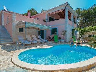 3 bedroom Villa in Korcula-Tri Luke, Island Of Korcula, Croatia : ref 2183552 - Cove Mikulina luka (Vela Luka) vacation rentals