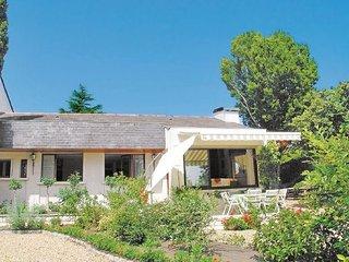 4 bedroom Villa in Montsoreau, Maine-et-loire, France : ref 2220275 - Montsoreau vacation rentals