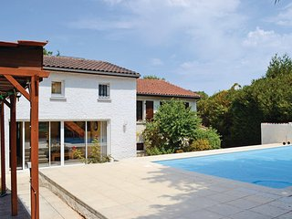 4 bedroom Villa in Aigre, Charente, France : ref 2221056 - Aigre vacation rentals
