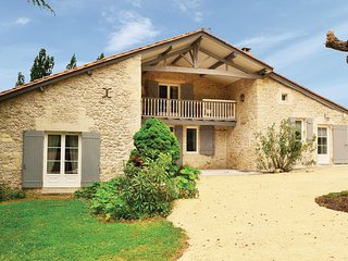 3 bedroom Villa in St Vivien de Monsegur, Gironde, France : ref 2221588 - Saint-Vivien-De-Monsegur vacation rentals