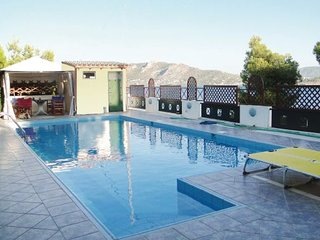 4 bedroom Villa in Salamina Saronic Island, Salamina, Greece : ref 2222067 - Megara vacation rentals