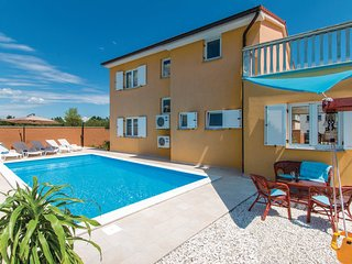 3 bedroom Villa in Pula-Loborika, Pula, Croatia : ref 2238820 - Loborika vacation rentals