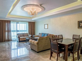 09 1 BD Fairmont Free beach and pool ! - Palm Jumeirah vacation rentals