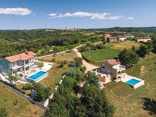 4 bedroom Villa in Motovun-Brigi Karojba, Motovun, Croatia : ref 2276826 - Karojba vacation rentals