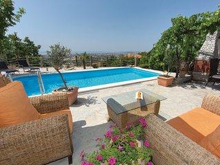 3 bedroom Villa in Split-Kucine, Split, Croatia : ref 2277228 - Zrnovnica vacation rentals