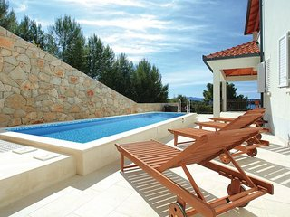 4 bedroom Villa in Korcula-Prizba, Island Of Korcula, Croatia : ref 2278314 - Prizba vacation rentals