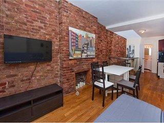 Charming Duplex near Times Sq - New York City vacation rentals
