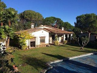 3 bedroom Villa in Sta Cristina d Aro, Costa Brava, Spain : ref 2295998 - Santa Cristina d'Aro vacation rentals
