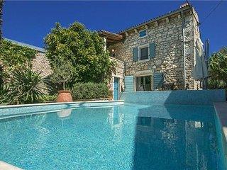 3 bedroom Villa in Musalez, Istria, Croatia : ref 2374629 - Musales vacation rentals