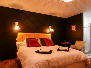 Maison d'hôtes de charme - Chambre Velours - Caden vacation rentals