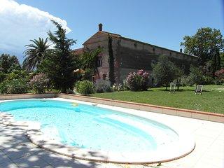 Gîte de charme dans Mas catalan du 18 ème près de Collioure - Bages vacation rentals