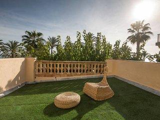 House2 garden in front of the beach - Ferrari Land - Salou vacation rentals