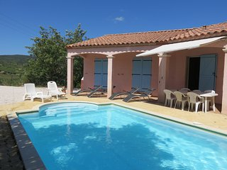 Modern Villa with private pool sleeps 8 in quiet position amongst vinyards - Saint-Jean-de-Barrou vacation rentals