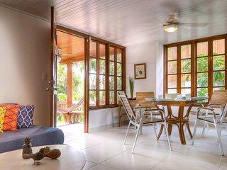 Playa Galeon, beach access & pool (Sleeps 6) - Contadora Island vacation rentals