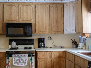 2 bedroom House with Internet Access in Shingleton - Shingleton vacation rentals