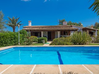 Finca Can Moreno  2bedroom house with private garden and swimming pool - Pollenca vacation rentals