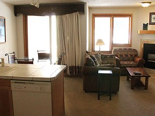 Nice Studio with Deck and Internet Access - Stanley vacation rentals