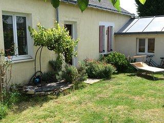 Petite maison lumineuse avec jardin, proche du tramway, stationnement gratuit - Nantes vacation rentals