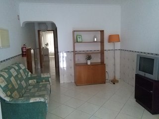 Ground floor apartment w/barbecue B - Quarteira vacation rentals