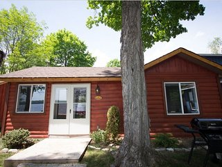 CARDINAL - PET FRIENDLY COTTAGE ON PIGEON LAKE - Lindsay vacation rentals