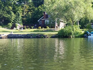 Water Front Home in Hudson Valley near Woodstock, Kingston and Saugerties - Lake Katrine vacation rentals