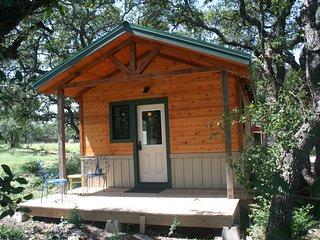 Vintage Oaks Farm - Hunter's Cabin - Driftwood vacation rentals