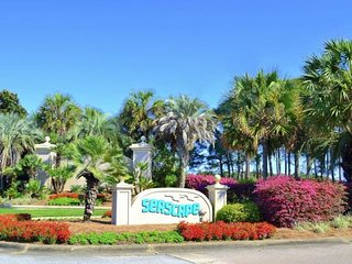 Seascape 2201: GULF VIEWS, Pool, Steps to Beach!! - Destin vacation rentals