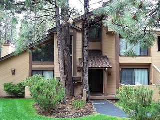 You couldn't ask for a better spot in Sunriver - Sunriver vacation rentals