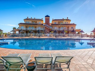 Stunning 2BR Ground Floor Condo in Malibu - Mijas vacation rentals