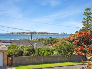 Sea-Lily - Panoramic Sea and Island Views and an Easy Walk to Victor Harbor - McCracken vacation rentals