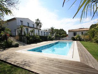 Amazing eight bedroom Villa with Sea View located in the heart of St Tropez. - Saint-Tropez vacation rentals