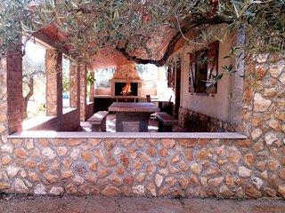 "Maison de campagne en Espagne ""Les Oliviers"" - L'Ametlla de Mar vacation rentals"
