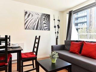 Nice 1 bedroom Condo in Islington - Islington vacation rentals