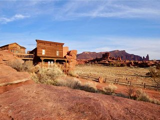 2 bedroom Cabin with Deck in Arches National Park - Arches National Park vacation rentals