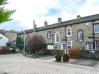 DAISY'S HOLIDAY COTTAGE, stone-built, open plan, centrally located in Skipton - Skipton vacation rentals