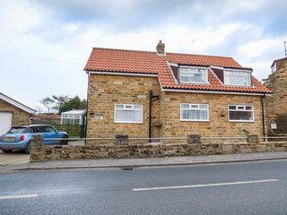 AVON CROFT COTTAGE, detached, WiFi, off road parking, ideal base for exploring the area, in Hawsker near Whitby, Ref 951692 - Whitby vacation rentals