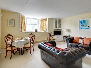 Beautiful Condo with Internet Access and Television - Aldeburgh vacation rentals