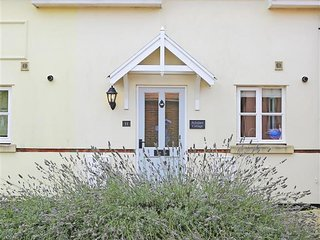Comfortable 2 bedroom Southwold House with Internet Access - Southwold vacation rentals