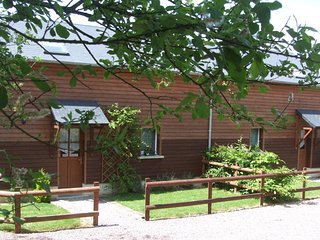 2 bedroom Cottage with Internet Access in Thury-Harcourt - Thury-Harcourt vacation rentals