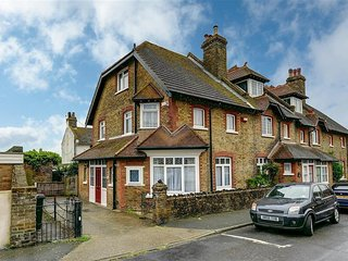 Comfortable House with Television and DVD Player - Broadstairs vacation rentals